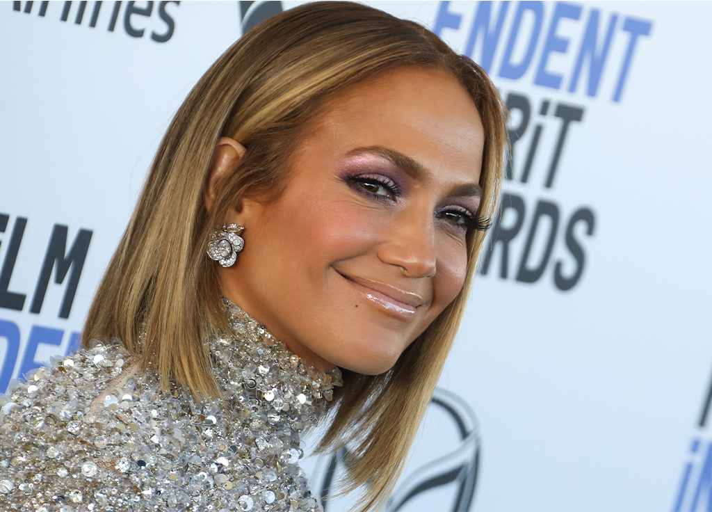 Jennifer Lopez Just Posted an Amazing Makeup-Free Selfie on the Heels of Her 51st Birthday – NewBeauty