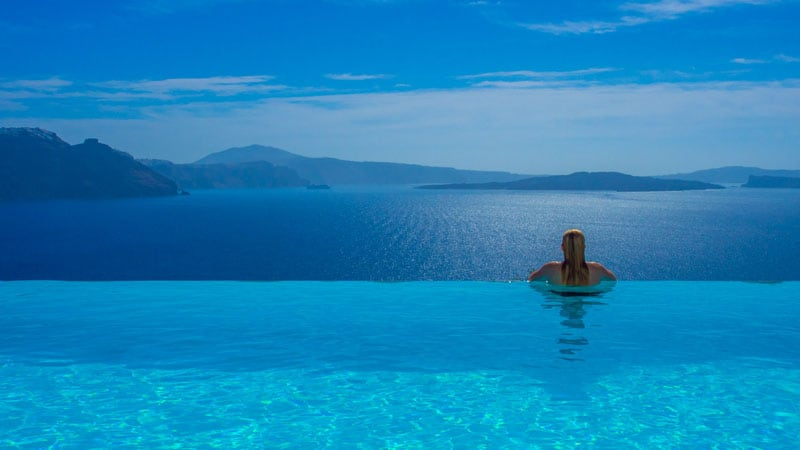 what to do in Santorini | Cave Hotel infinity pools