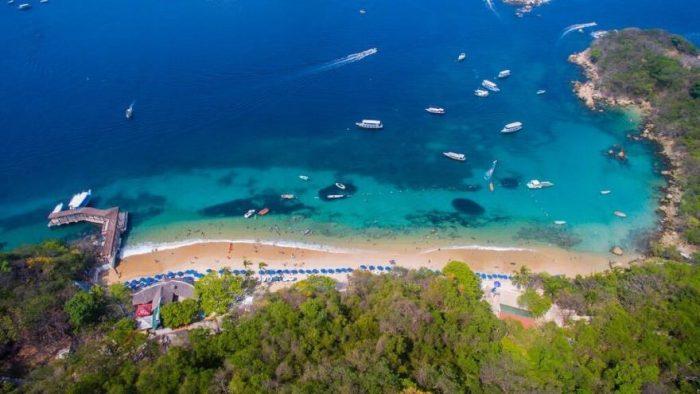 Isla de La Roqueta Main Beach by Eefren via Wikipedia CC