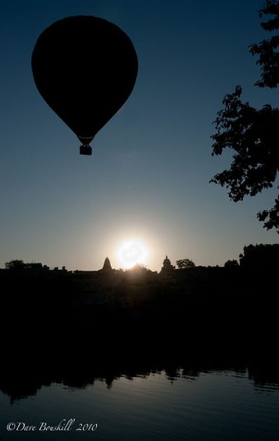 things to do udaipur   hot air ballooon