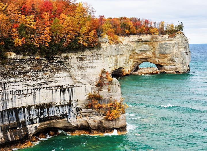 The Best Destinations in the United States for Leaf Peeping • The Blonde Abroad